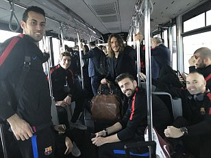 Carles Puyol travels back with Barcelona stars on team bus
