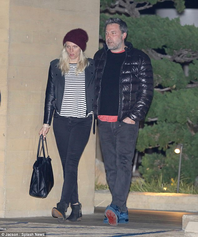 Currently: Ben is currently in a relationship with Saturday Night Live producer Lindsay Shookus, although he is amicable with Jennifer; seen on Tuesday leaving Nobu in Malibu