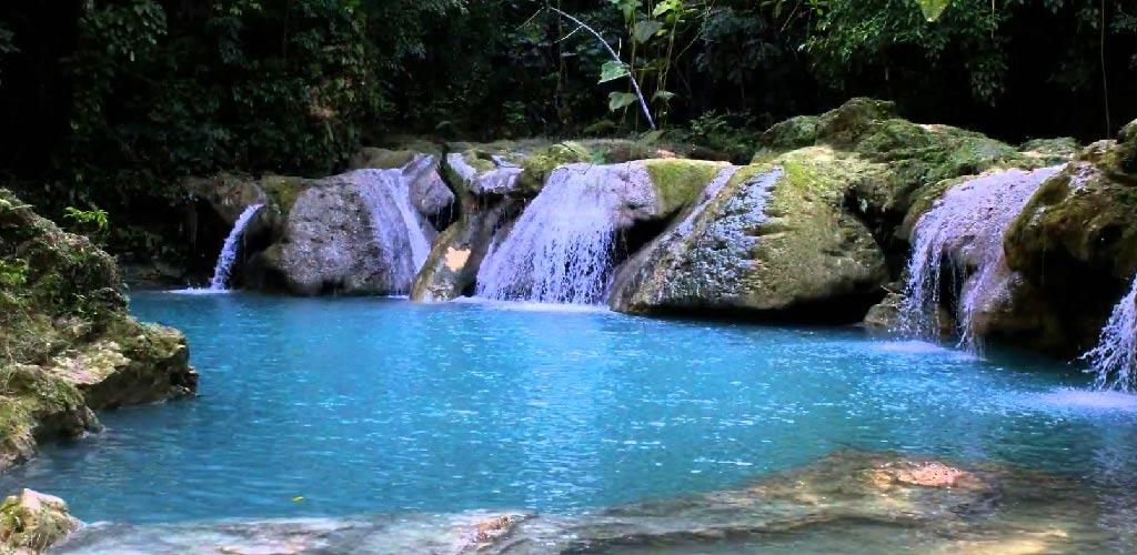Blue-Hole,-Jamaica