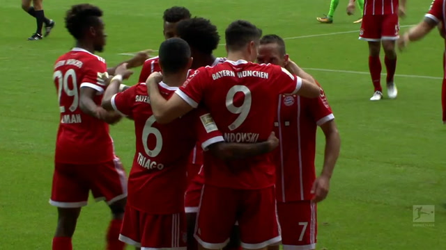 Robert Lewandowski opens the scoring for Bayern vs. Wolfsburg | 2017-18 Bundesliga Highlights