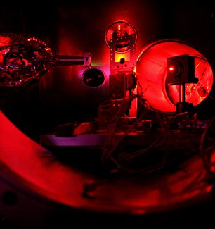 World's most powerful X-ray laser recreates the surface of a star on Earth - a temperature of two million degrees centigrade