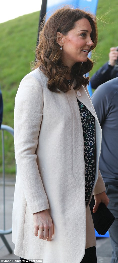 Pregnant Kate attend a SportsAid event at the Copper Box in the Olympic Park