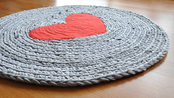 Round Heart Crochet Upcycled T shirt Area Rug