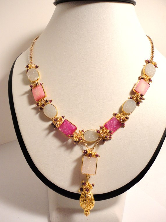 yellow gold necklace. pink druzy stone necklace. druzy bead necklace.garnet necklace. beaded druzynecklace.handmade necklace. fine jewelry