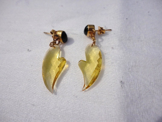 gold earrings, gemstone earrings. black onyx earrings, yellow citrine quartz earring, dangle post earrings. fine jewelry .gemstone jewelry