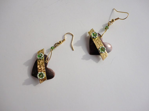 steampunk earring. gold earring. dangle earrings.copper heart earring. rhinestone earring.