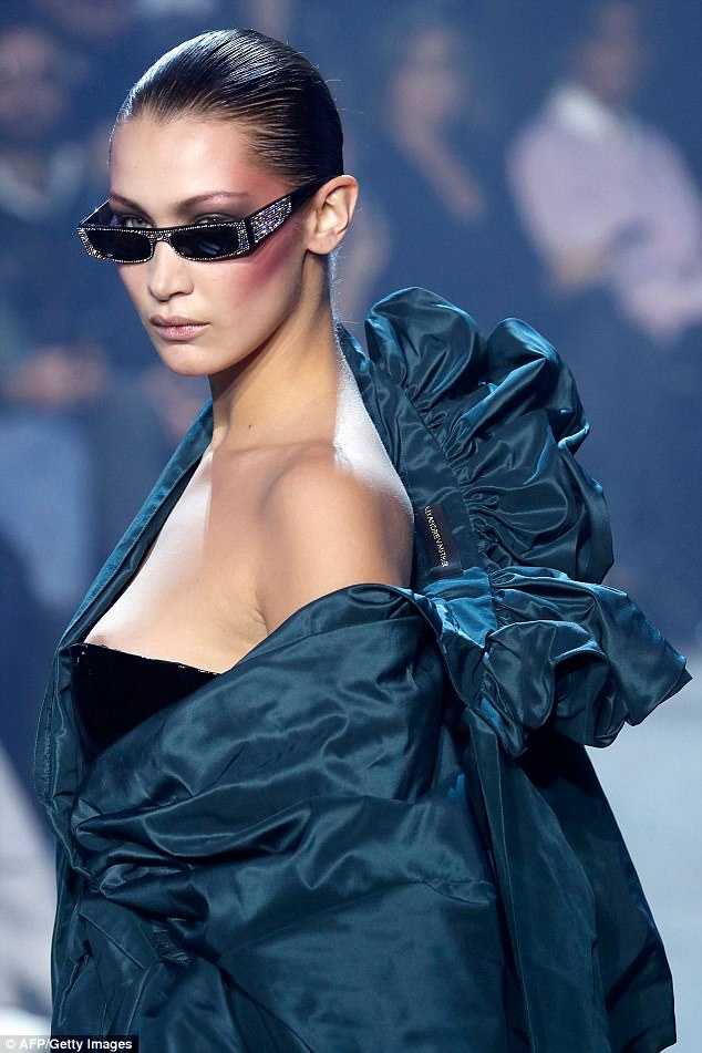 Whoops! Bella Hadid suffered a wardrobe malfunction in herAlexandre Vauthier ensemble as part of the2018 spring/summer Haute Couture collection show in Paris on Tuesday