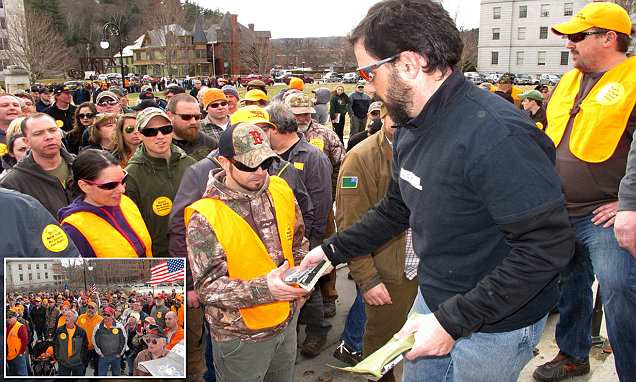 Gun rights activists hand out 1,200 free high capacity magazines at Vermont rally