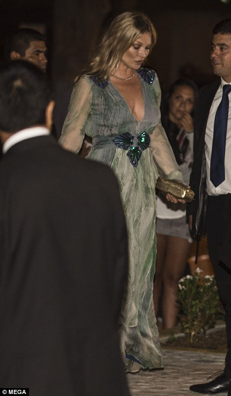 She looked sensational in the maxi dress