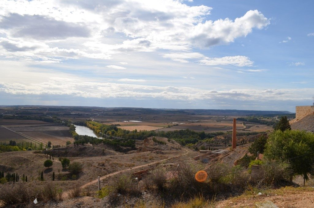 Looking south from the village of Toro over the river plain of the Duero river.