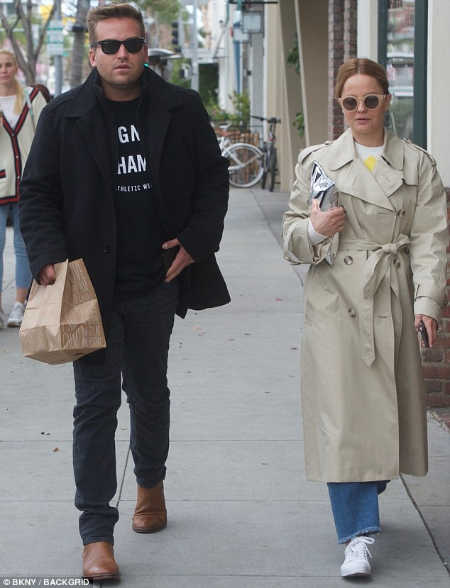 Meal for two! On Saturday, Mena Suvari, 39, grabbed lunch alongside a male companion