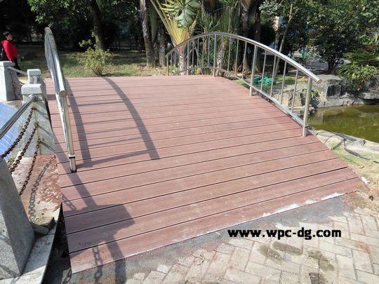 园龙山-木塑弧形桥