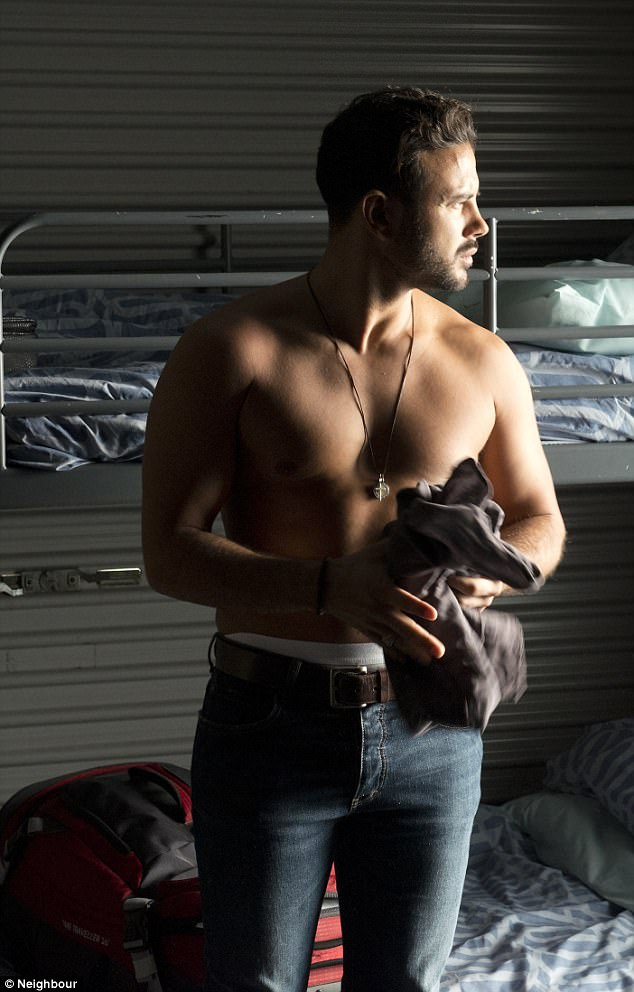 Neighbours SPOILER: First look at shirtless Ryan Thomas as the mysterious newcomer when he arrived on Ramsay Street in nail-biting scenes which will air on Neighbours