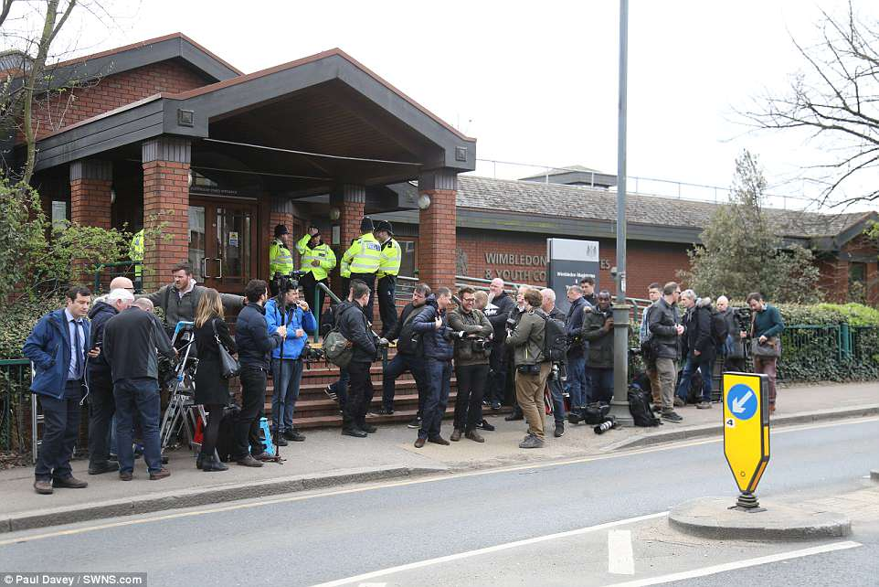 There was a large number of TV crews and photographers awaiting the TV star this morning