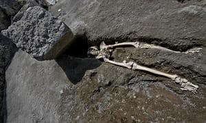 Skeleton unearthed at Pompeii