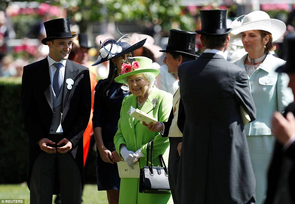 The Queen was accompanied by her racing manager John Warren who chatted her through what to expect from the afternoon ahead