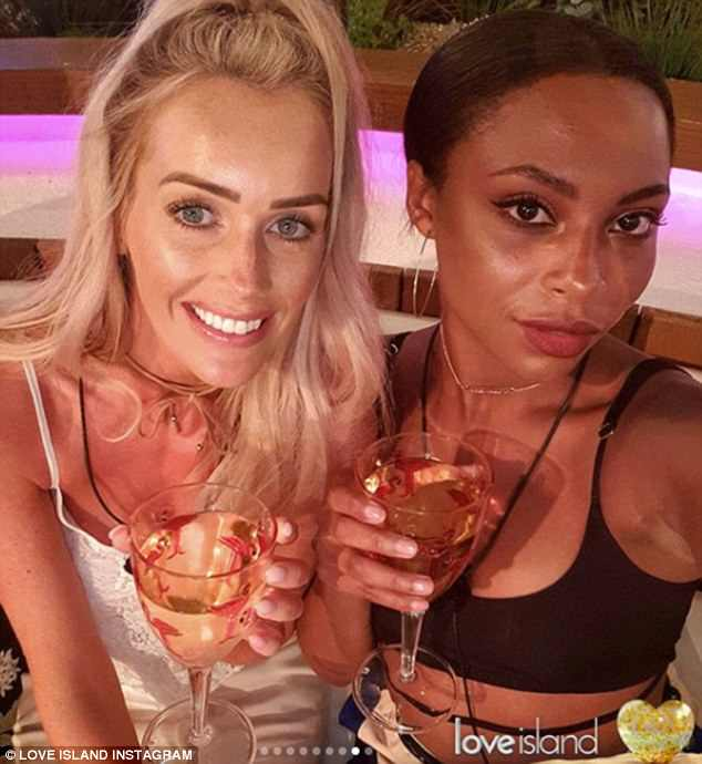 Cheers! Wes and Samira took a sultry selfie as they posed with their drinks in the latest snaps