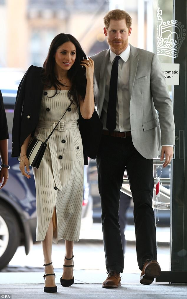 Meghan opted for a black and white cross-body bag byAustralian designer Oroton at the Commonwealth Youth Forum in April