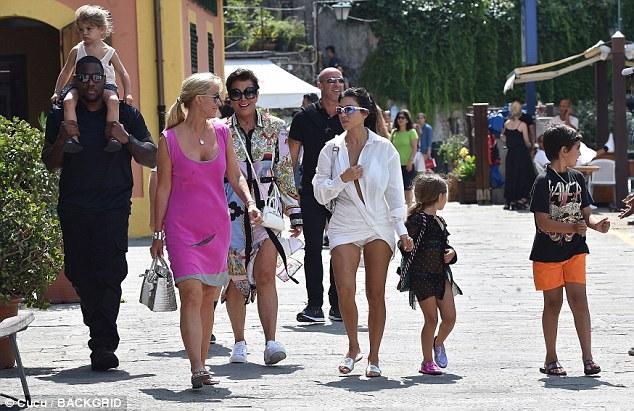 Paradise: The group enjoyed the sites before heading toward the dock