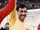 Gordon Banks has admitted his disappointment at the 1966 heroes' treatment by the FA