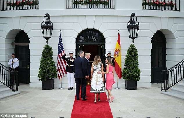 King Felipe VI of Spain, U.S. President Donald Trump, first lady Melania Trump and Queen Letizia of Spain head into the White House