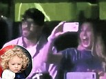 RYAN REYNOLDS AND BLAKE LIVELY REACTIONíS WHEN THEY HEAR THEIR DAUGHTERíS VOICE AT THE START OF GORGEOUS AT THE CONCERT OF TAYLOR SWIFT IS THE CUTEST THING