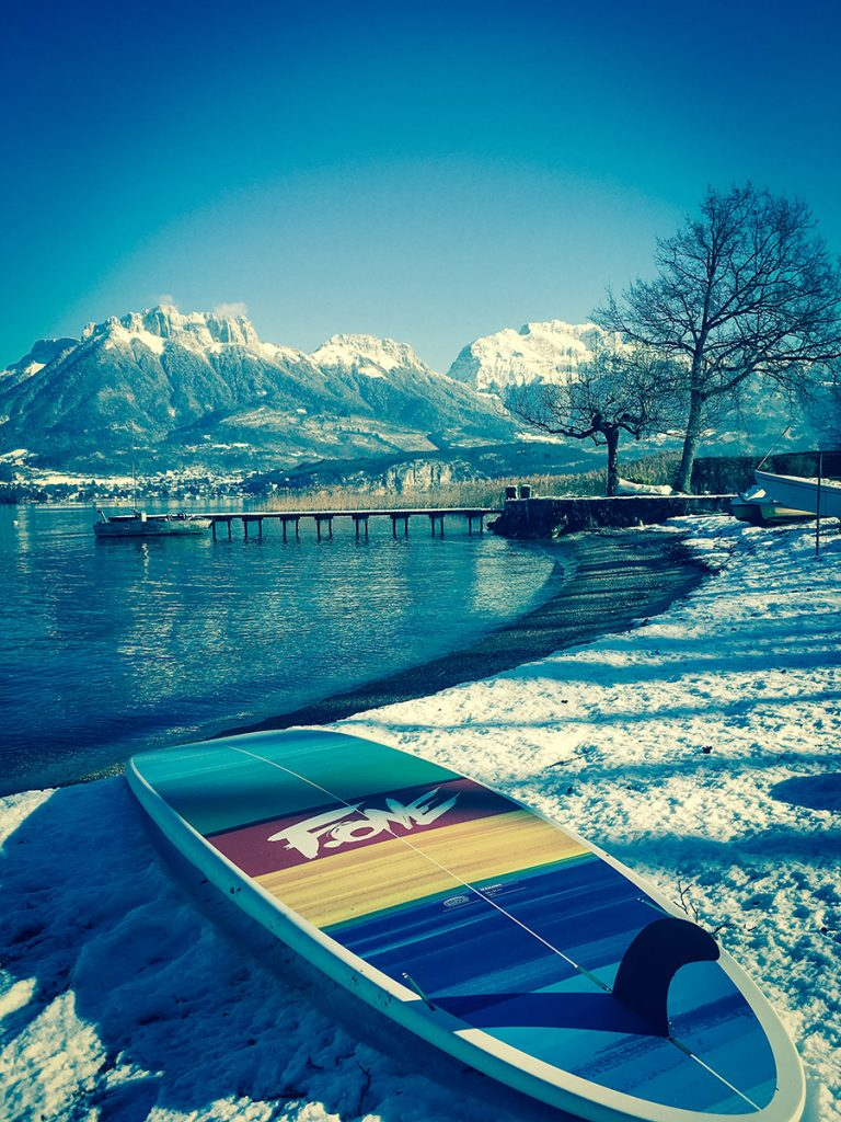 hiver lac annecy stand up paddle