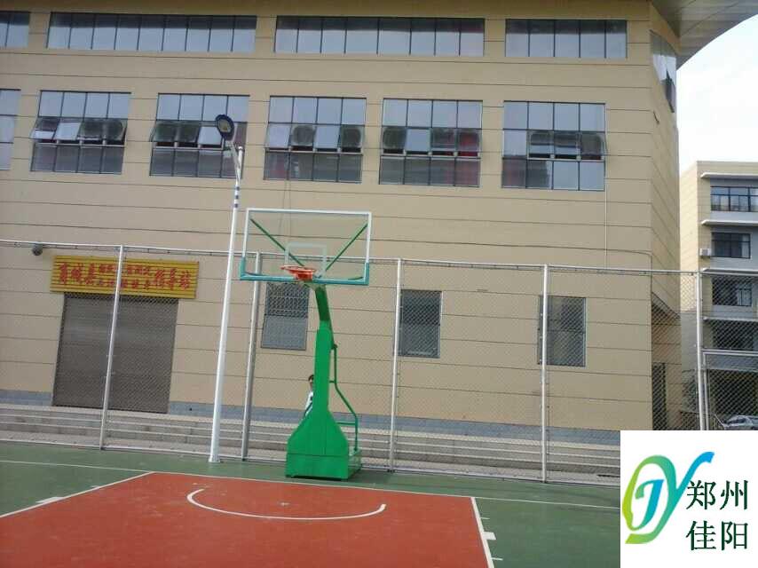 案例11:郑州佳阳户外健身器材厂为商城县大型体育馆安装篮球架以及户外座椅