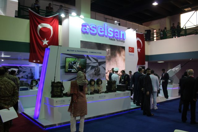 The Turkish Aselsan presents its Aselpod at IDEAS 2016 001