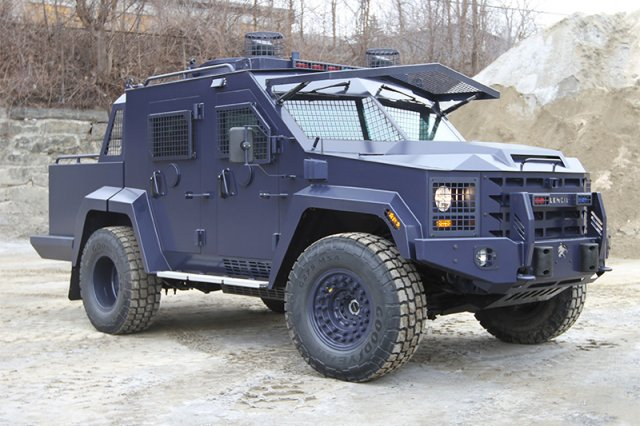 IDEAS 2016 Lenco presents pickup variant of its BearCat G3 armored vehicle 640 001