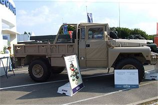 VLRA TPK Acmat light all-terrain 4x4 6x6 tactical vehicle technical data sheet specifications information description intelligence identification pictures photos images video France French Defence Industry army military technology