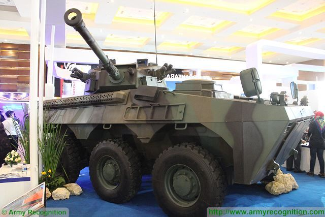 Badak 6x6 fire support armoured vehicle 90mm turret CMI Defence Pindad Indonesia Indonesian army 640 001
