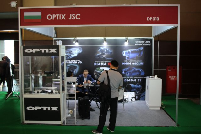 OPTIX from Bulgaria showcases its new compact laser Rangefinder LRF 905-500 at Indo Defence 2016 002