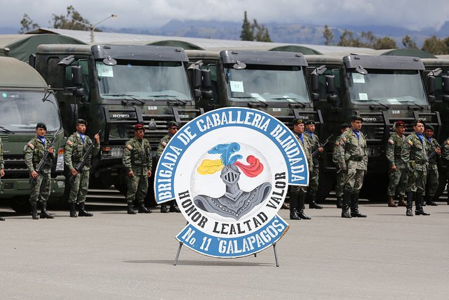 162 multipurpose trucks delivered to 11th Armored Cavalry Brigade from Ecuador Army 640 001