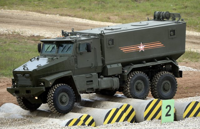 Russian-special-operators-will-soon-be-equiped-with-the-Typhoon-family-armored-fighting-vehicle-640-001