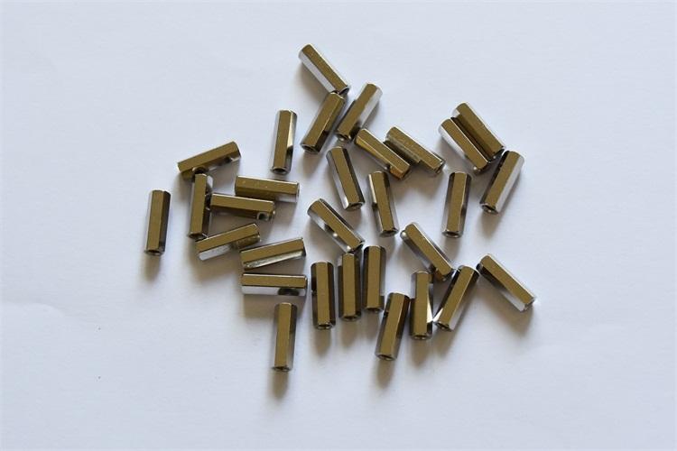 六角压铆螺母柱
