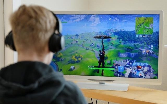 Police have seen a 40 percent rise in the number of frauds being reported involving the video game Fortnite