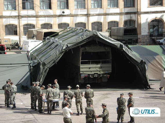 Utilis TL/TXL shelters can be complexed to the TM models. Bootwalls are also available for interconnection of these shelters to vehicles, containers and other field deployable assets.