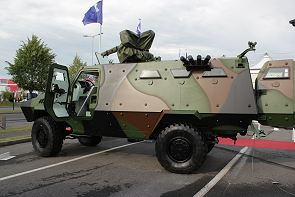 Bastion APC Acmat armoured personnel infantry carrier technical data sheet specifications information description intelligence identification pictures photos images video France French Defence Industry army military technology