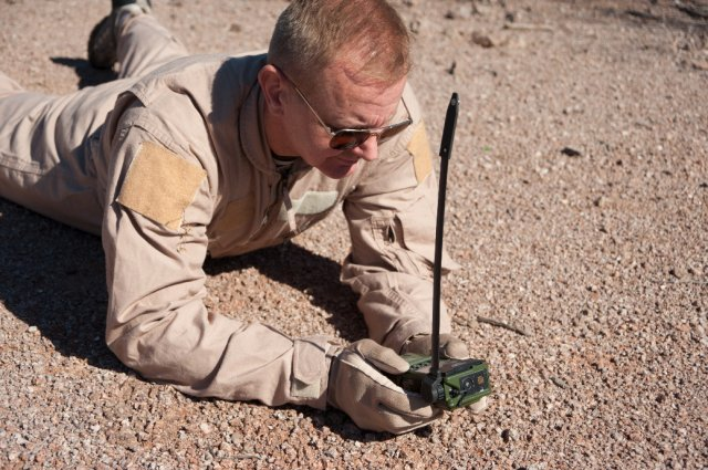 General Dynamics introduces new Combat Survival Radio the HOOK3 640 001