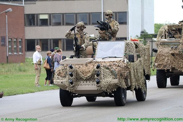 Jankel supports Belgian National Day at the Military Parade 640 001