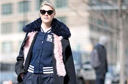 谁说时尚的人儿不怕冷 快看她们的两层外套穿搭法