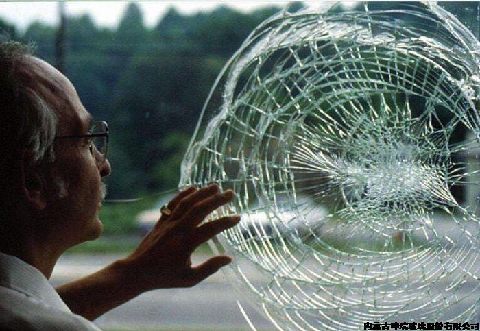 防弹防砸特种玻璃