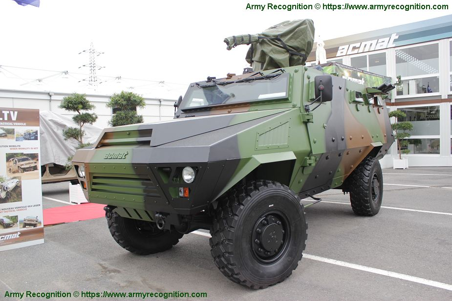 Bastion APC 4x4 wheeled armored personnel carrier ACMAT ARQUUS France French defense industry 925 001