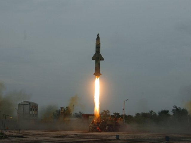 India successfully test launched nuclear capable Prithvi II missile 640 001