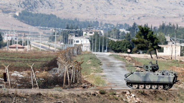 Turkish authorities have sent 20 more tanks to Syrian border 640 001