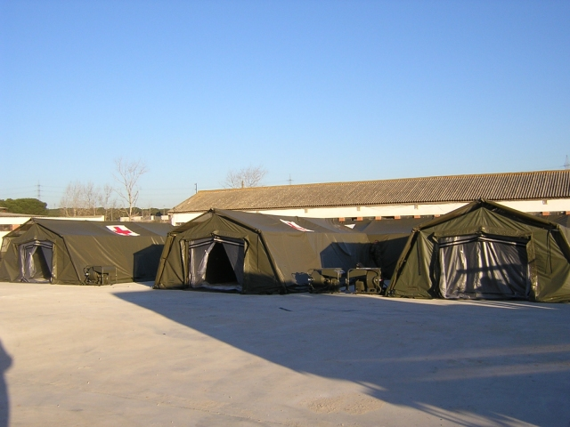 Utilis TM range shelters can be used for many differing applications such as emergencies, accommodation, offices, medical post, etc. and have the capacity for limitless interconnection to form larger work areas. This makes the TM system particularly suite for field hospitals and military camps. Utilis also manufacture NBC canvas to create an integrated COLPRO sealed environment or to form pressurized operating theatres etc.