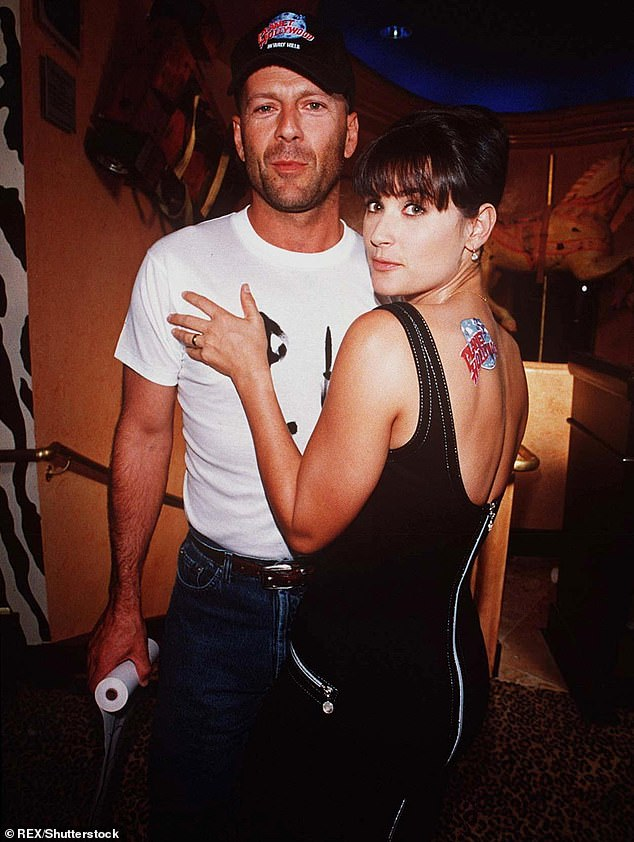 Co-parents:She was also in a high profile relationship and marriage with Bruce Willis from 1987 to 2000; seen in 1995
