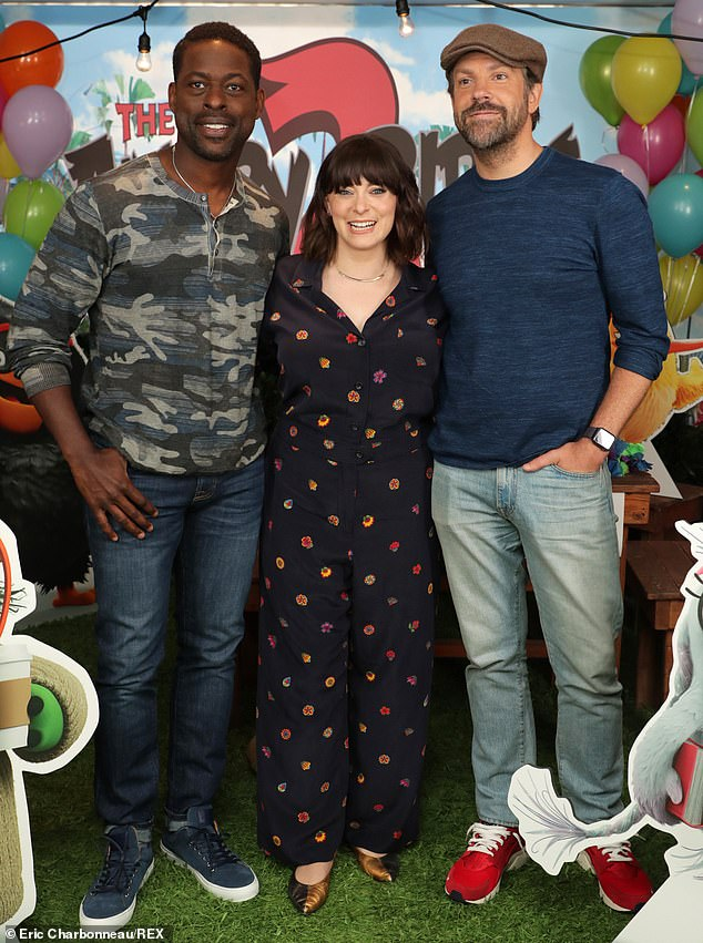 Hamming it up: Brown and Sudeikis played bookends to new cast member Rachel Bloom