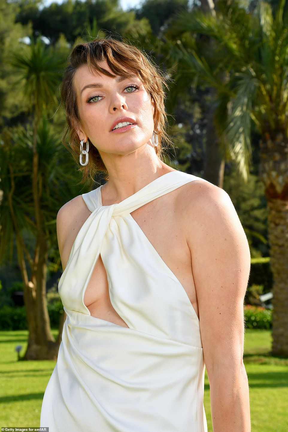 She's got front! Milla's stunning gown boasted a cheeky keyhole neckline